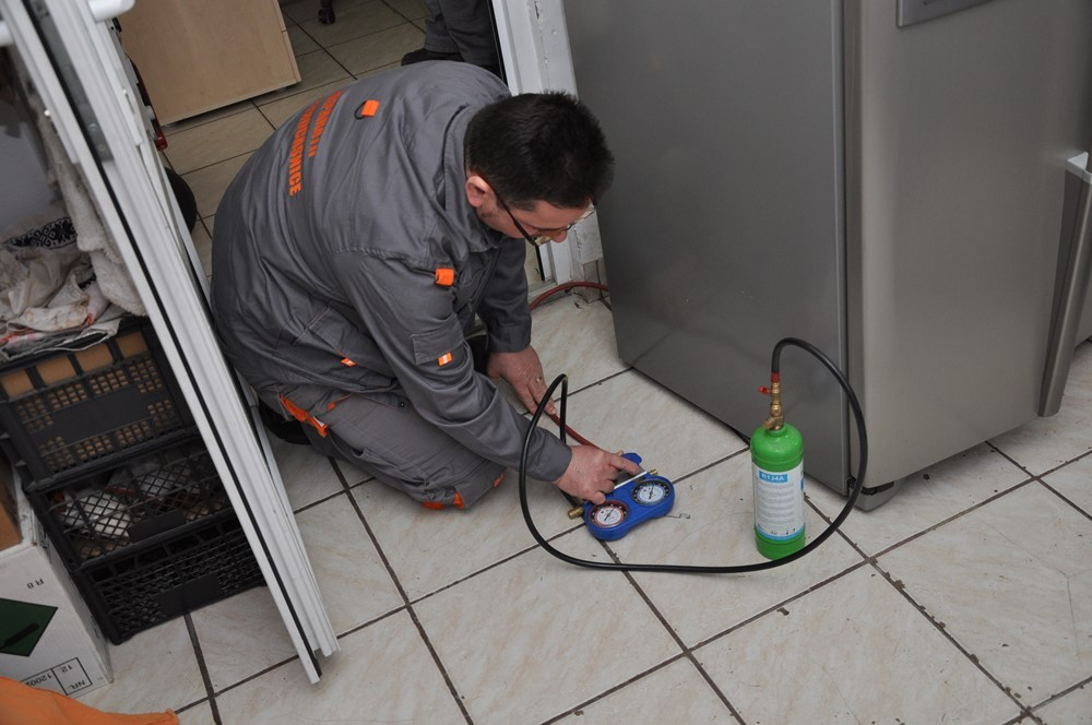 Service frigidere la domiciliu zona Unirii